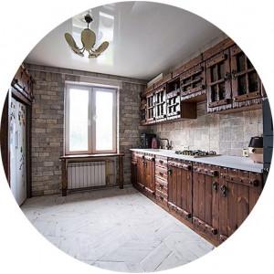 Состаренная мебель для кухни из массива сосны